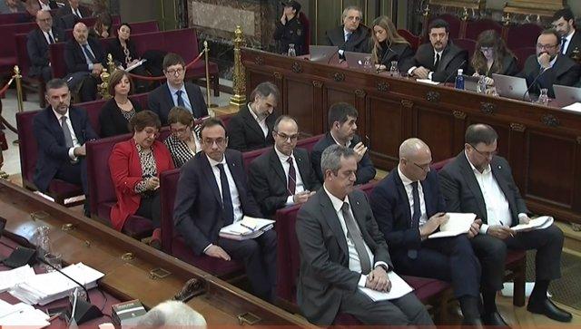 Los líderes independentistas setados en el banquillo de los acusados en la segunda jornada del juicio por el procés