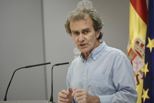 El director del Centro de Coordinación de Alertas y Emergencias Sanitarias (CCAES), Fernando Simón, ofrece la segunda rueda de prensa de la segunda semana tras el estado de alarma
