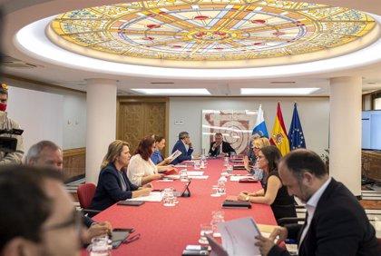 El Gobierno reordena la red de centros educativos y cierra tres colegios en Gran Canaria y uno en La Palma