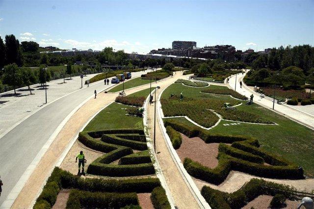 Vistas desde el Puente de Toledo de las zonas verdes