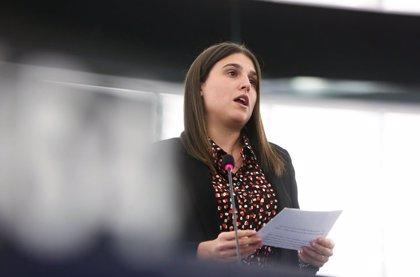 La eurodiputada Homs pide a la Comisión Europea mecanismos para acabar con la subida de precios de vuelos de Baleares