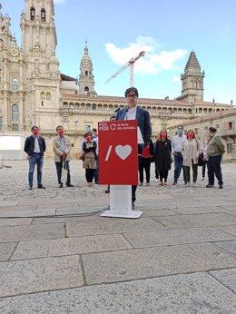 El ministro de Sanidad, Salvador Illa, visita Sanitiago en apoyo a la candidatura de Gonzalo Caballero a la Xunta