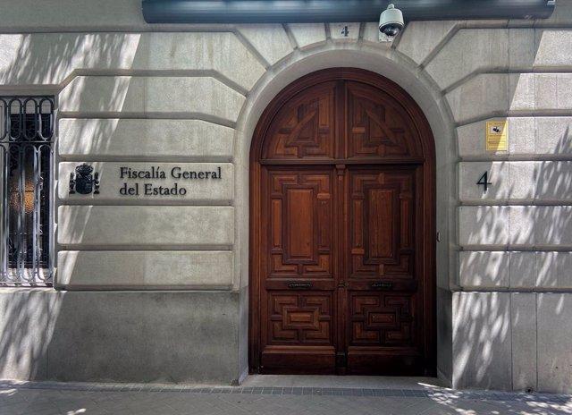 Entrada a la sede de la Fiscalía General del Estado, Madrid (España), a 29 de junio de 2020. Dos positivos en COVID-19 detectados entre el personal de la Fiscalía General del Estado obligará a desalojar mañana la sede del Ministerio Público en Madrid para