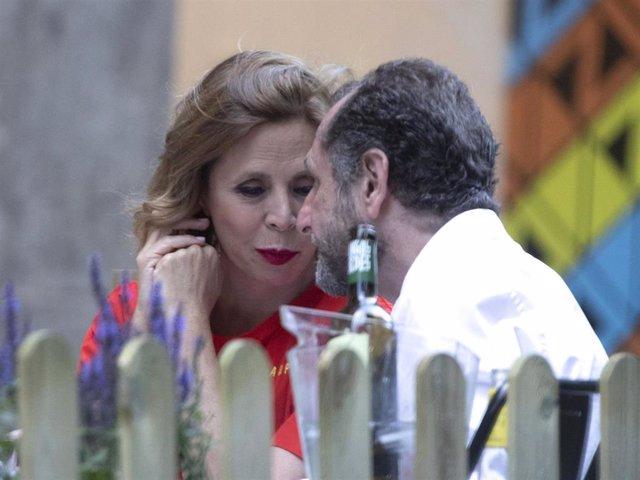 Ágatha Ruiz de la Prada, en una de las imágenes más cómplices que nos ha dejado hasta el momento con Luis Gasset