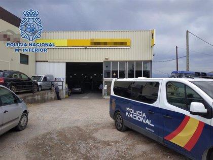 Cuatro detenidos por apropiación indebida e incumplimiento Ley de Extranjería en un taller mecánico de Nájera