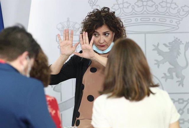 La ministra portavoz y de Hacienda, María Jesús Montero, al término de su comparecencia en rueda de prensa posterior al Consejo de Ministros celebrado en Moncloa, Madrid (España), a 30 de junio de 2020.
