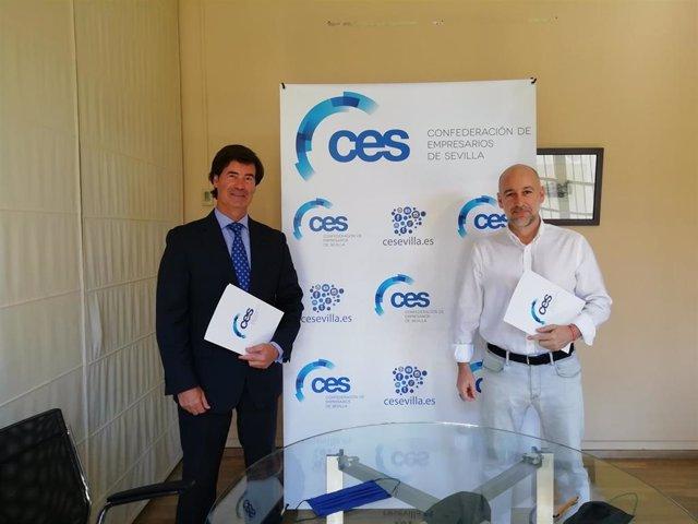 El presidente de la Confederación de Empresarios de Sevilla (CES), Miguel Rus, y el director del Congreso Internacional Innovación Social V Centenario Magallanes-Elcano, José Luis Muñoz, han firmado un convenio.