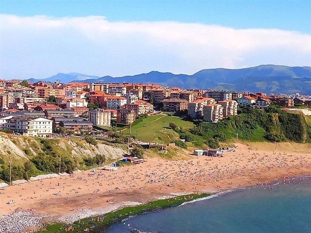 Playa de Arrigunaga, en Getxo /(Bizkaia)