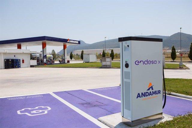Endesa instala cargadores rápidos en las estaciones de Andamur