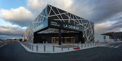 Los centros comerciales La Dehesa y El Ventanal de la Sierra obtienen el sello 'Garantía Madrid'