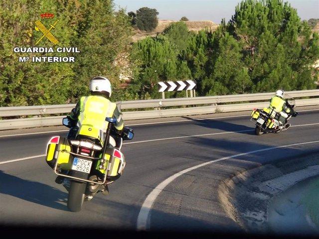 La Guardia Civil de tráfico.