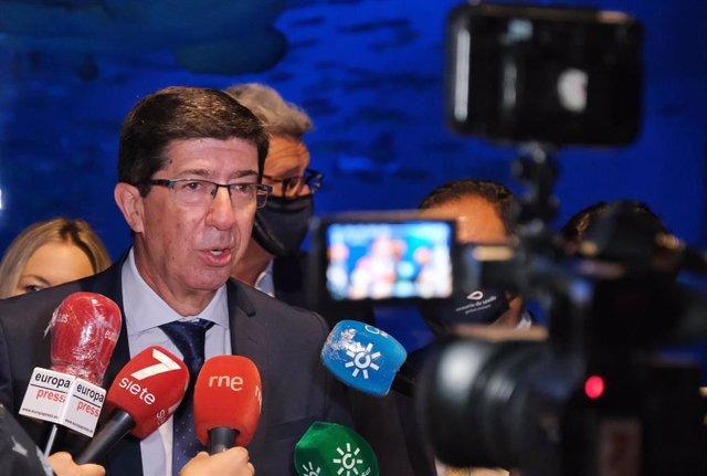 El vicepresidente de la Junta y consejero de Turismo, Regeneración, Justicia y Administración Local, Juan Marín, visita el Acuario de  Sevilla a 03 de julio del 2020