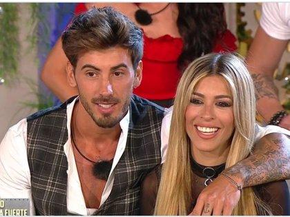 Oriana e Iván, la pareja más empalagosa tras convertirse en novios oficialmente