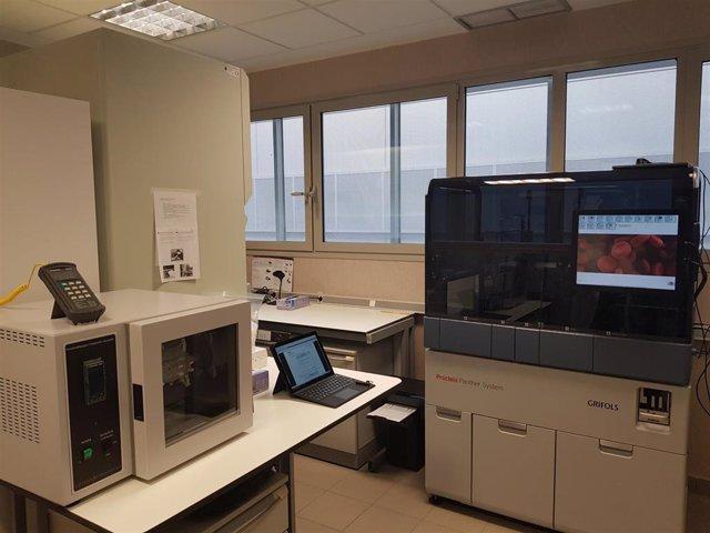 Montaje del robot para hacer pruebas de la Covid-19 en La Gomera