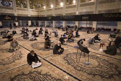 Irán suma 2.566 casos y 154 muertos por coronavirus y rebasa los 235.000 contagiados