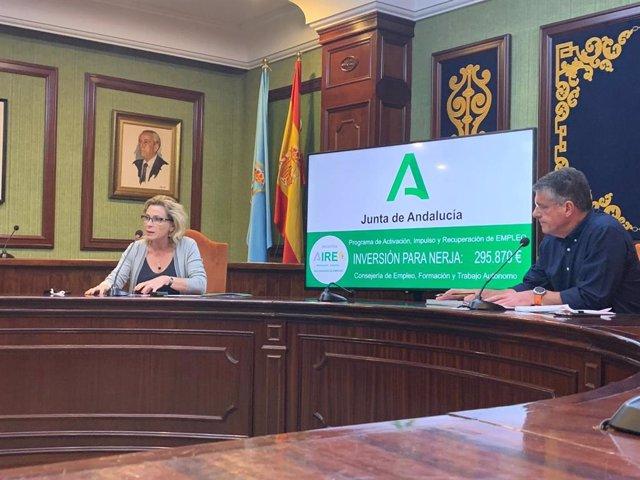 La delegada territorial de Empleo, Formación, Trabajo Autónomo, Economía, Conocimiento, Empresas y Universidad, Carmen Sánchez, presenta en Nerja el plan AIRE
