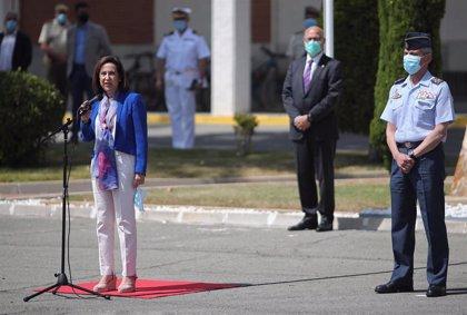 Robles destaca la entrega del personal de la sanidad militar en su visita al Gómez Ulla