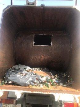 Alijo de hachís en un camión de reciclaje de vidrio en Ceuta