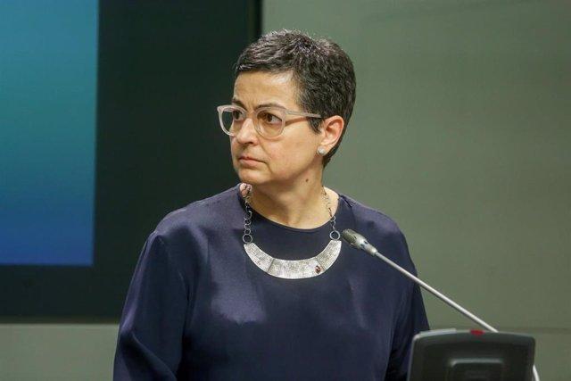 La ministra de Asuntos Exteriores, Unión Europea y Cooperación, Arancha González Laya, durante la recepción a su homólogo, el ministro de Asuntos Exteriores neerlandés, Stef Blok, en el Palacio de Viana, Madrid (España), a 25 de junio de 2020.