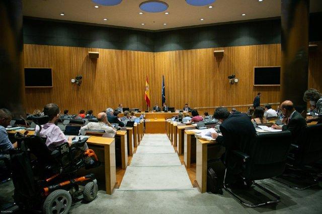 Vista general de la Comisión para la Reconstrucción Social y Económica durante la reunión para debatir y votar las conclusiones finales este viernes
