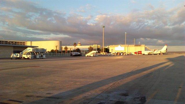 Una pista del aeropuerto de Sont Sant Joan (Palma).