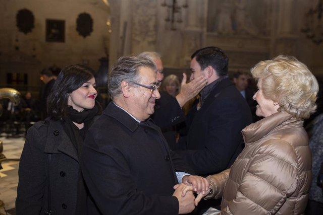 Misa en homenaje al teniente de alcalde del Ayuntamiento de Sevilla Alberto Jiménez-Becerril y a Ascensión García, asesinados por la banda terrorista ETA el 30 de enero de 1998. La presidenta de PP de Sevilla, Virginia Pérez, y Juan Ignacio Zoido, saludan