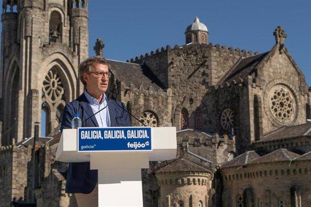 Feijóo participa en un mitin en O Carballiño (Ourense)