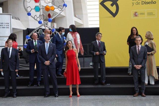 Los Reyes de España presiden el acto de entrega de los Premios Nacionales de Innovación y Diseño 2019 en el Museo de Ciencias