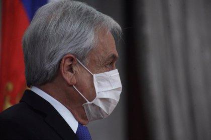 Piñera promulga la ley que limita la reelección de parlamentarios en Chile