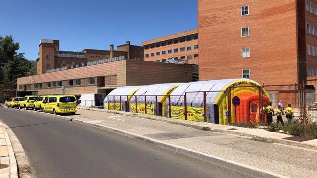 Area sanitària al costat de l'Hospital Arnau de Vilanova