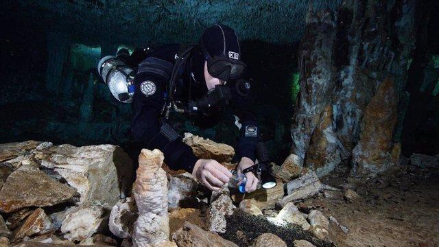Descubrimiento de una mina de ocre en Quintana Roo