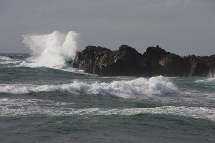 Canarias continúa este sábado en aviso amarillo por viento y oleaje