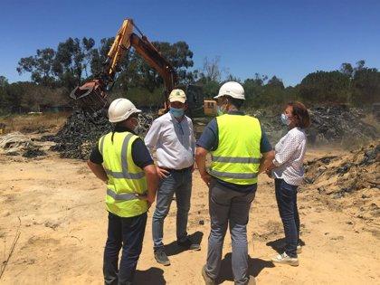 La Junta trabaja en la restauración de siete entornos degradados por residuos agrícolas en la provincia de Huelva