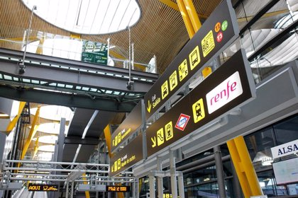 Transportes lanza una inspección especial de VTC en el aeropuerto de Barajas con 10 vehículos denunciados