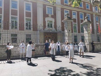 Médicos Unidos por sus Derechos exigen en Valladolid mayor inversión en Sanidad
