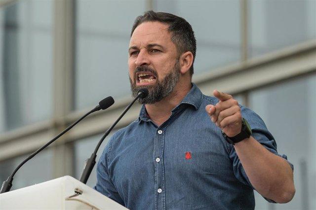 El presidente de Vox, Santiago Abascal, durante el acto electoral de esta formación en A Coruña