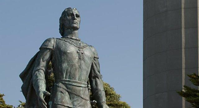 EEUU.- Manifestantes derriban una estatua de Cristóbal Colón en Baltimore