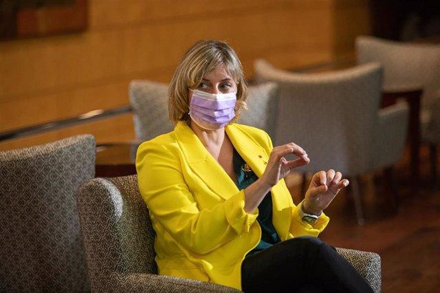 La consellera de Salud, Alba Vergés, durante la reunión con los responsables del Hotel Catalonia Barcelona Plaza, medicalizado y reconvertido en hospital, una ampliación del Clínic, en Barcelona.
