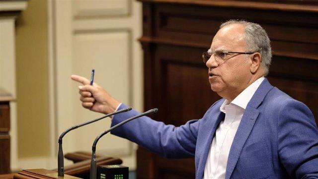 El portavoz del Grupo Parlamentario Agrupación Socialista Gomera (ASG), Casimiro Curbelo