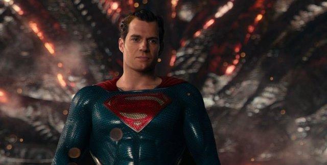 Henry Cavill es Superman en Liga de la Justicia