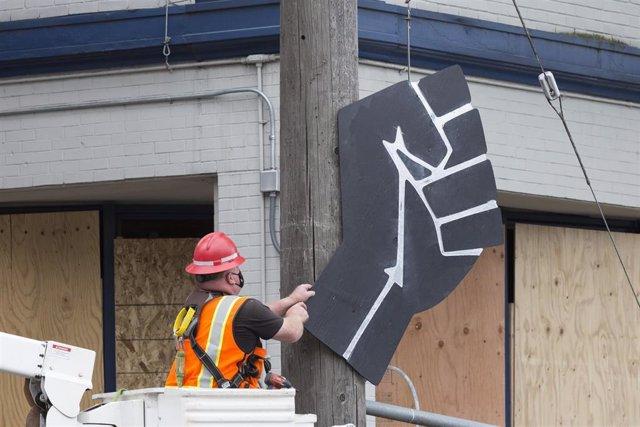 Desmantelamiento de la zona de protesta de Black Lives Matter en Seattle