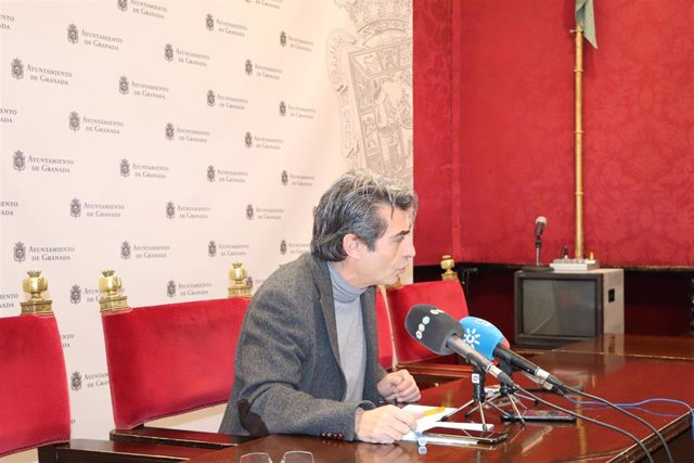El concejal de Podemos-IU en el Ayuntamiento de Granada, Antonio Cambril, en una foto de archivo.