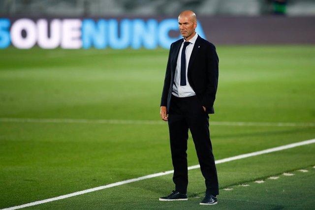 """Fútbol.- Zidane: """"Estoy cansado de que digan que ganamos por los árbitros"""""""