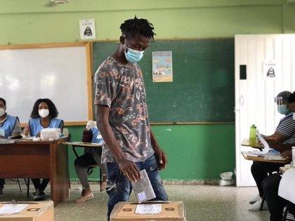 Asesinado un interventor durante las elecciones generales en República Dominica