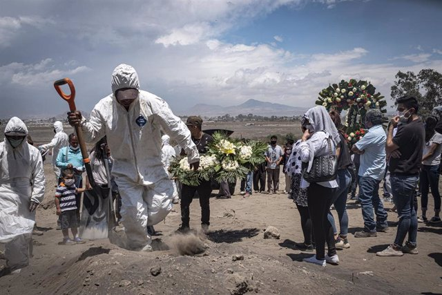 Funeral por víctimas de la pandemia de coronavirus