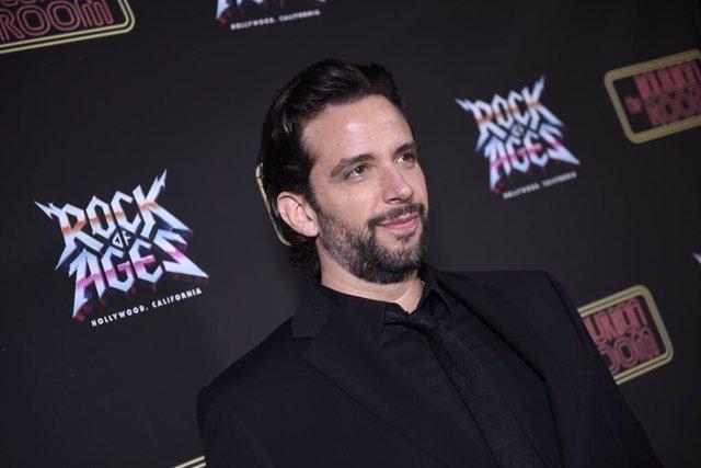 Nick Cordero en el estreno del musical Rock Of Ages