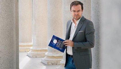 Javier Sierra escribe un artículo sobre el autor Cristóbal Serra en el nuevo número de la revista Turia