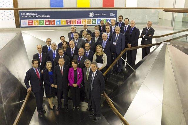 Ban Ki-moon (secretari general de l'ONU el 2015) i el p.de la Xarxa Espanyola del Pacte Mundial (XEPM), Ángel Pes, encapçalen una jornada de la XEPM al Caixaforum Madrid el 29/10/2015