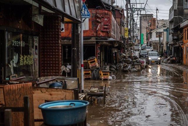 Japón.- Elevan a más de 40 los fallecidos por las inundaciones en el suroeste de