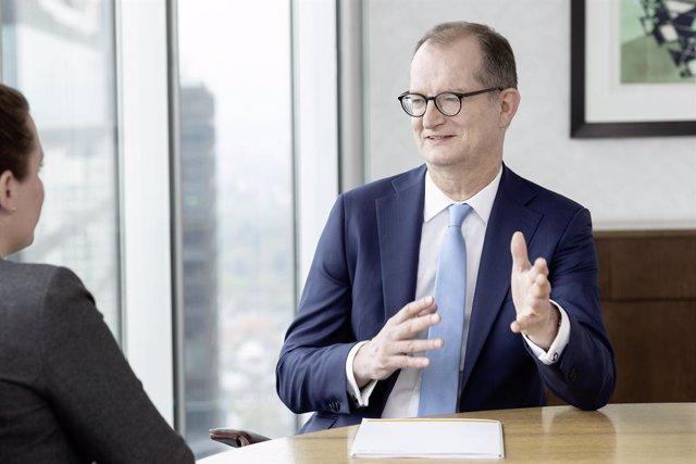 Alemania.- Commerzbank se dispara un 7% en Bolsa tras la renuncia de su cúpula d